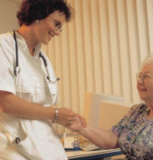 Heilbehandlungen von Ärzten: umsatzsteuerfrei oder umsatzsteuerpflichtig?
