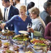 Betriebliche Sommerfeste – steuerlich abzugsfähig?